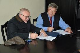 Budowa oświetlenia umowy podpisane przez wójta