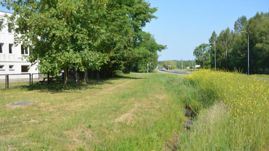 Przekazano plac budowy pod nowy ciąg rowerowo-pieszy w Grzybowie